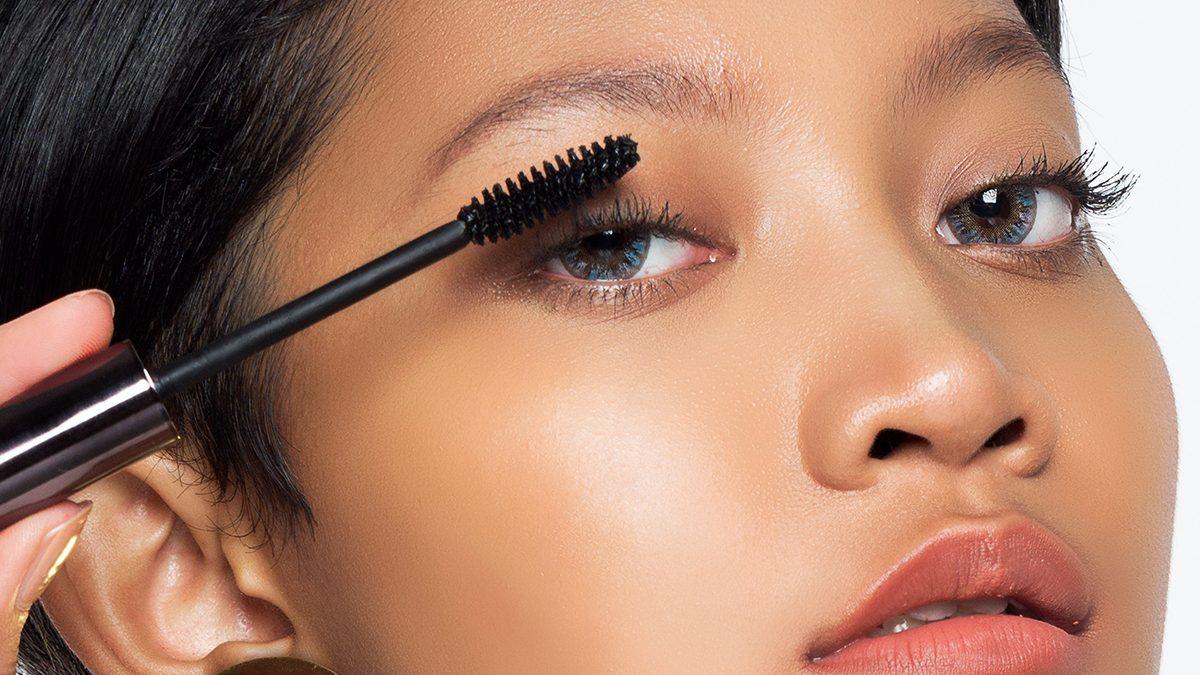 Membuat Makeup Mata Natural Saat Pakai Masker