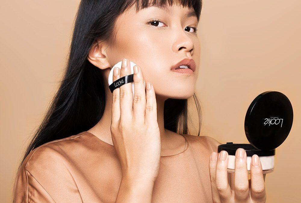 Urutan Make up Untuk Kulit Berminyak Agar Pesta Akhir Tahun Tak Terlupakan