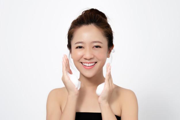 cara bersihkan wajah