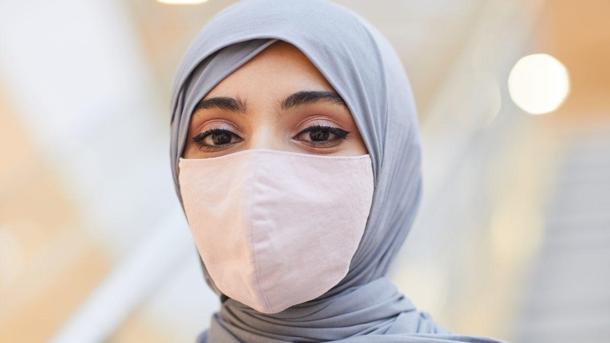 Tips Mendapatkan Makeup Tahan Lama Saat Pakai Masker
